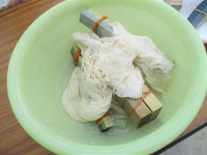 第11回 みどりの教室「アイの生葉染め 綿のストール」レポート